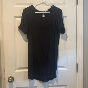 Short-sleeve Romper size small